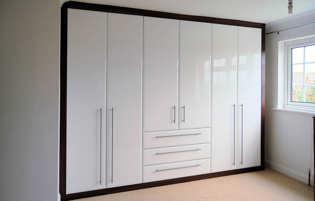 Pictures Of Built In Wardrobes Glamorous Susbedrooms The Fitted Bedroom Specialist In Sussex Decorating Design